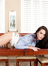 Stunning milf Bianca Breeze is the secretary of your dreams