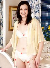 Sexy milf reveals her soft panties and pretty bra