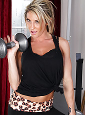 Sizzling milf Lexus Smith in her skimpy work out clothes