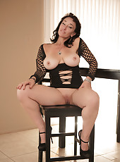 Hot mommy next door spread her pussy in sizzling lingerie