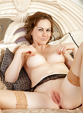 Sexy housewife spreads her smooth shaved puffy pussy lips