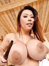Big Titty Tigerr Benson playing