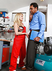 Blonde babe blows her boss at work