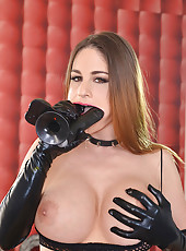 Cathy Heaven fucks huge black dildo