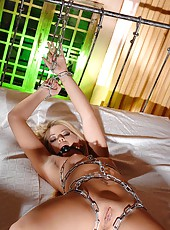 Zora, chained in her own desires!