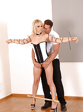 Hot blondie blindfolded and bound!