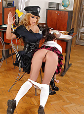 Spanking of Dorothy Black & Lauryn