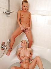 Hotties Olga Barz & Zuzana Z peeing