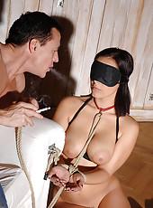 Liza del Sierra blindfolded sucking
