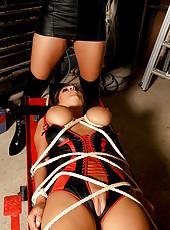 Sexy Carol & Jannete in bondage set