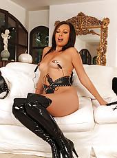 Skye Fox gets wild in her hot latex