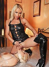 Hot blonde chicks have kinky sex