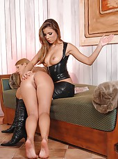 Two hot babes spanking their butts