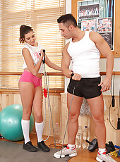 Agness Footjobs & Fucks in the Gym
