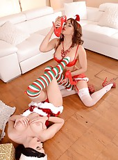 Lesbian Holiday Foot Fetish Action
