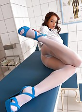 Leggy Doctor Masturbates in room