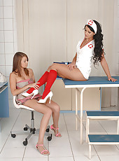 Toe & Pussy Sucking With The Nurse