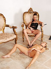 Slave girl gets a toe tasting treat