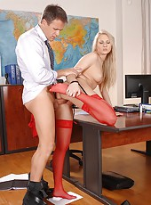 Getting her sweet hot pussy jammed!