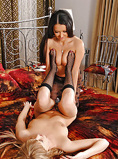 Lesbian babes with foot fetishes