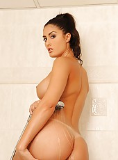 Sultry shower show with Sara Class