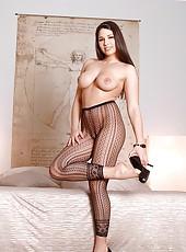 Sexy babe Zafira