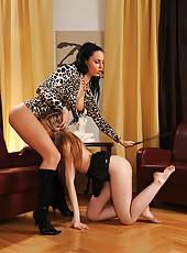Lesbian babes play foot fetish game