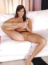 Brunette Bailey doing a hot footjob