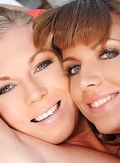 Lesbian babes Alise Alanis & Ulrika