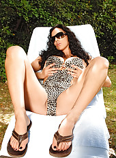Hot Jelena Jensen showing her legs