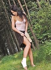 Victoria Rose doing good footjob