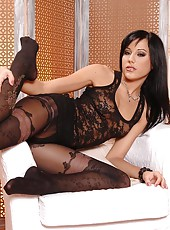 Sexy babe Anita Pearl in pantyhose