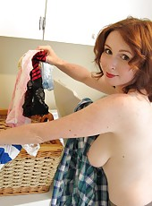 Elli Getting Dirty In The Laundry