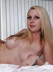 Kylie Deville Nude In Stockings