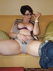 High Heels Tight Jeans and Kinky Curves