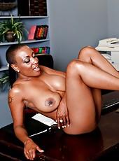 Big Tits Pussy Lick