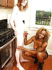 Young ebony hottie Mz 2xxxclusive jerking Mr Johnson
